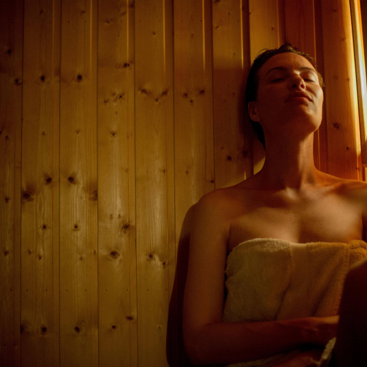 Do You Need Goggles For Infrared Sauna